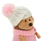 Fluffy the Hedgehog in white/pink hat